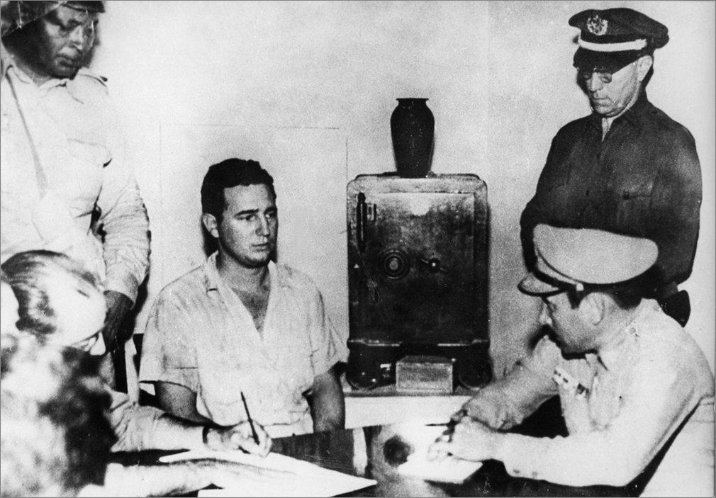 Castro encarcelado en Santiago de Cuba después de haber atacado junto con otros 140 rebeldes un cuartel en Moncada, en 1953