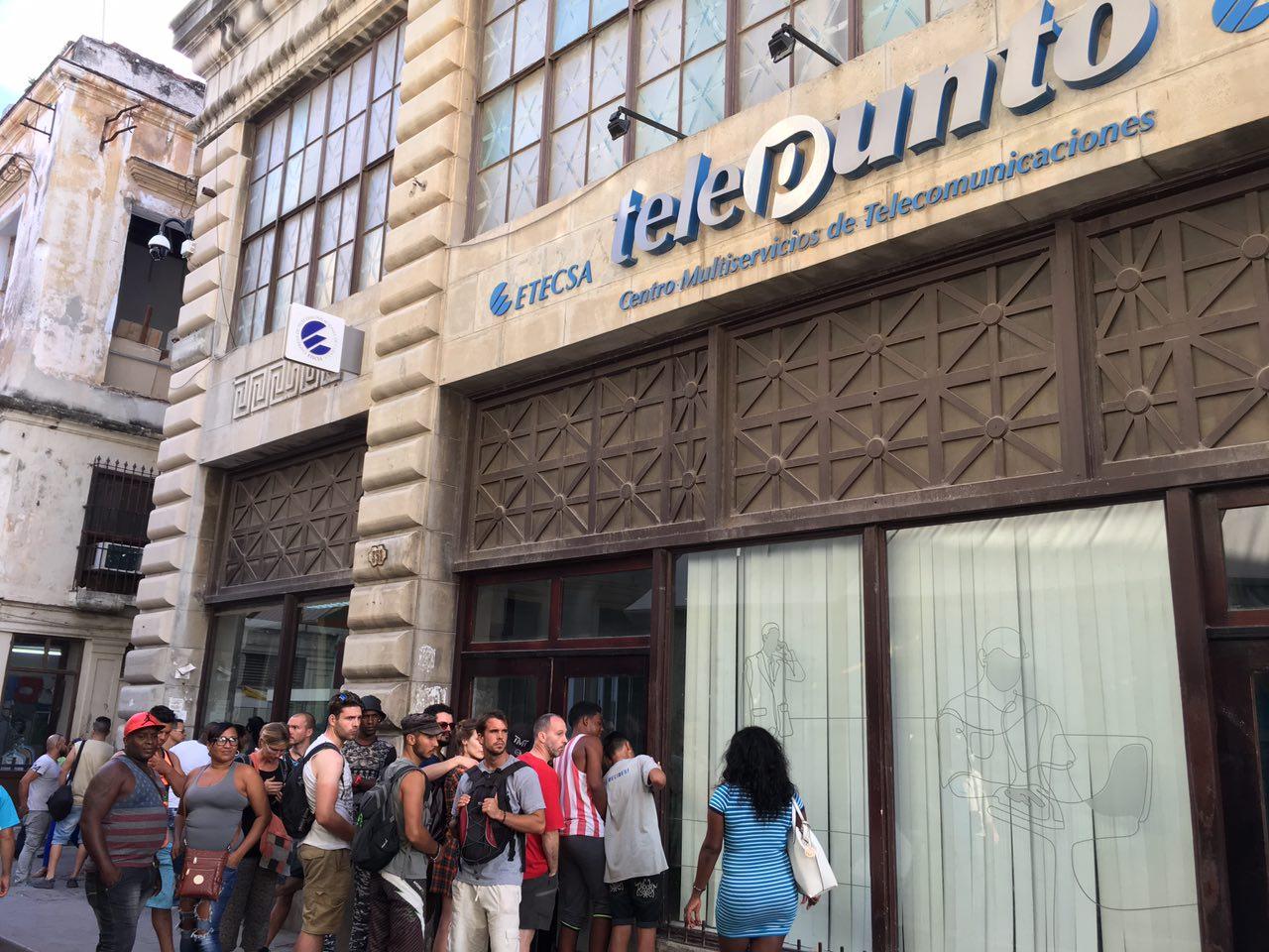 En la espera paraconseguir acceso a la web, Cuba.