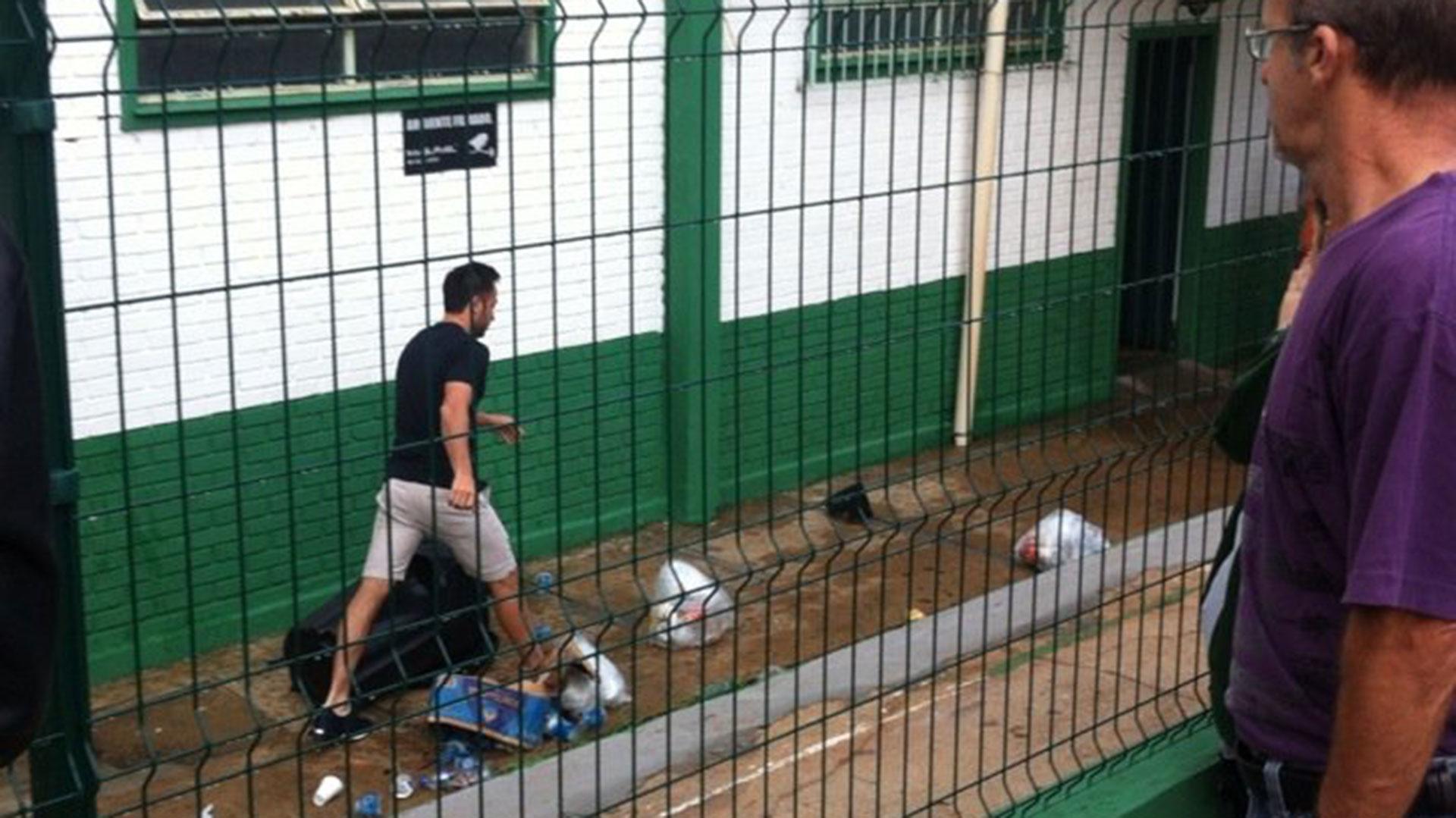 El jugador argentino Alejandro Martinuccio arriba al club. El futbolista no viajó por estar lesionado (Gentileza: DC Esportes)