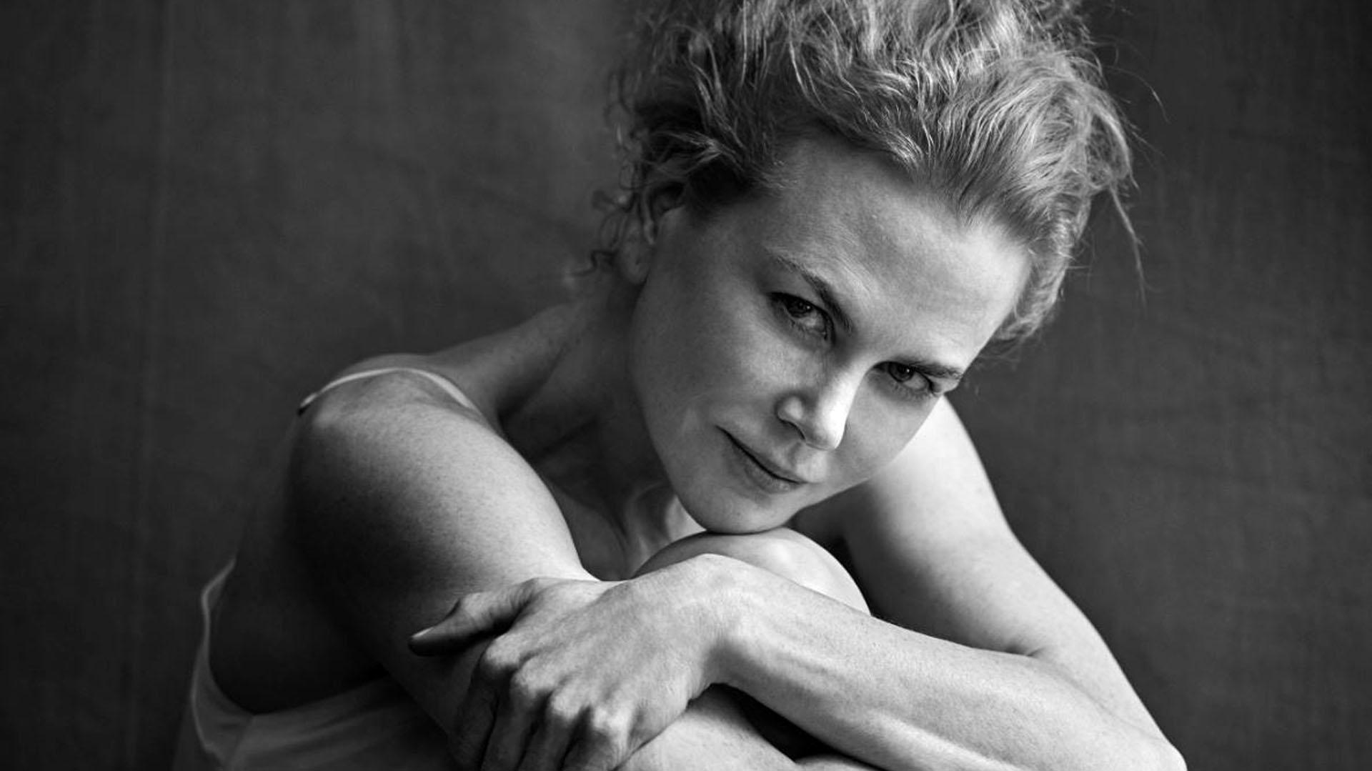Nicole Kidman en la nueva edición del mítico calendario, que en su versión 2017 también reúne a celebridades como Alicia Vikander, Kate Winslet, Julianne Moore, Penélope Cruz, Charlotte Rampling y Jessica Chastain, entre otras grandes estrellas
