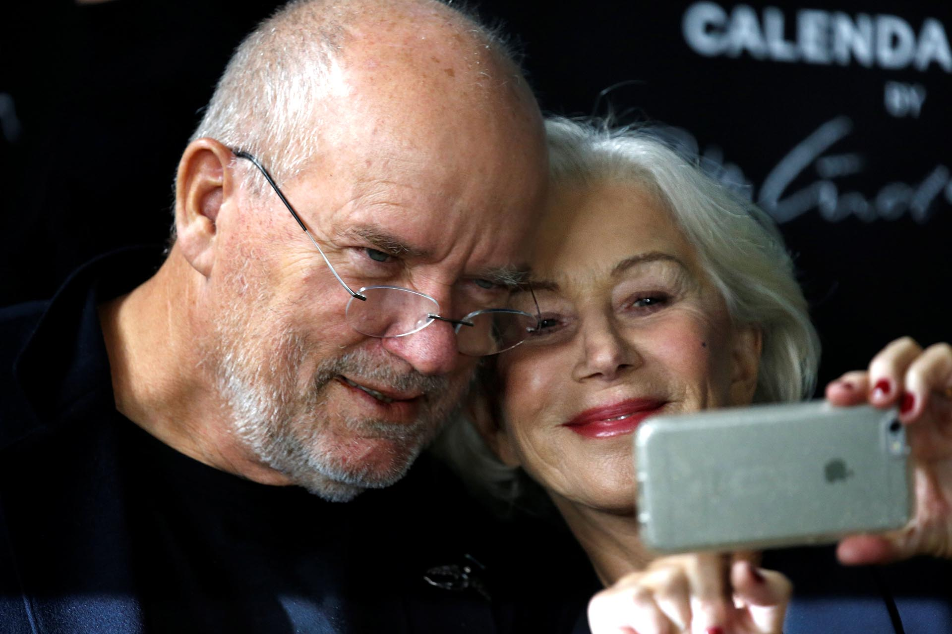 Selfie de lujo entre Peter Lindbergh y Helen Mirren
