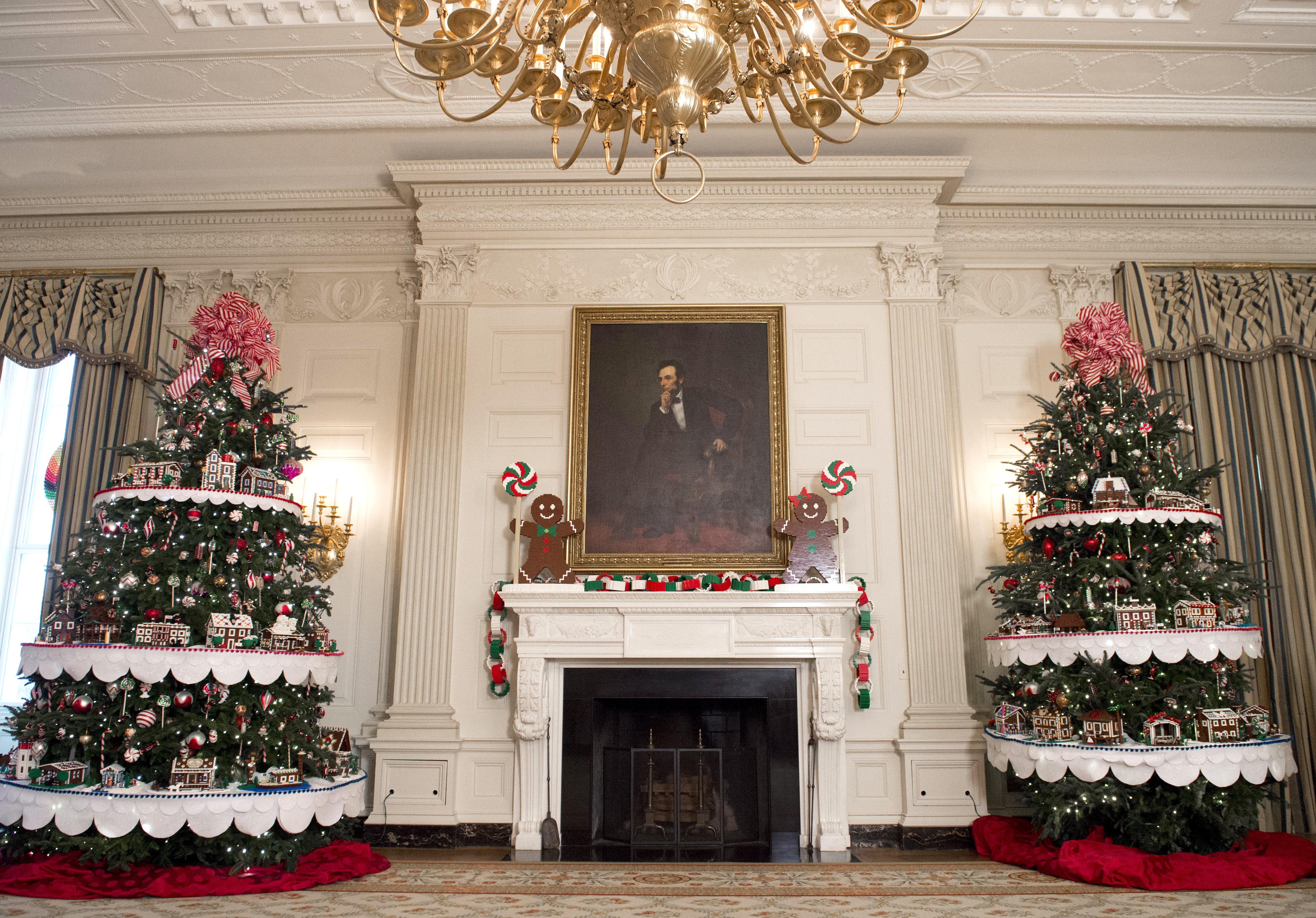 Decoraciones navideñas en el comedor de Estado de la Casa Blanca