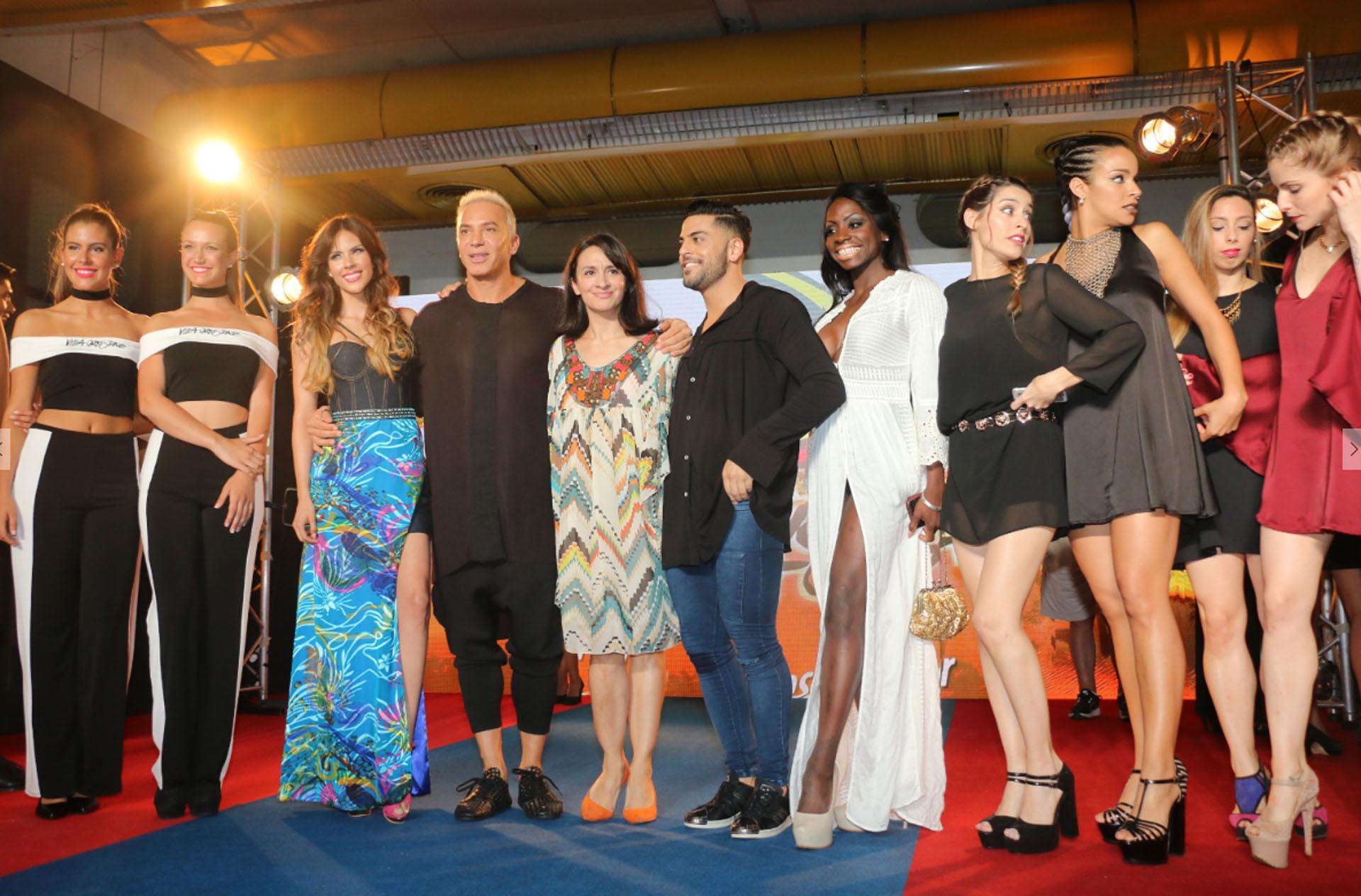 El elenco de Mahatma, musical con Flavio Mendoza, Anita Martínez, Barby Franco, entre otros