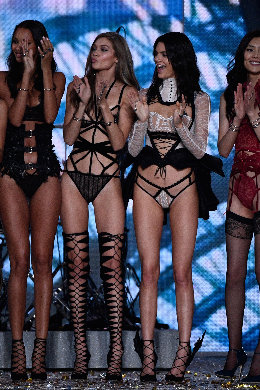 Lais Ribeiro, Gigi Hadid, Kendall Jenner y Liu Wen