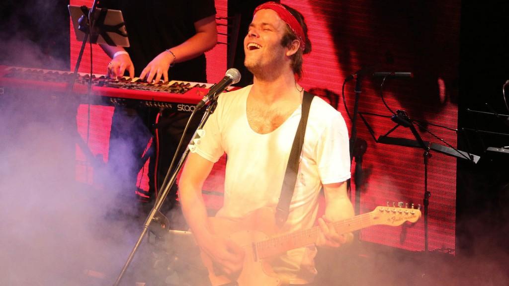 Benja brilló en el escenario con algunos de los temas de su disco – Crédito: Verónica Guerman – Teleshow