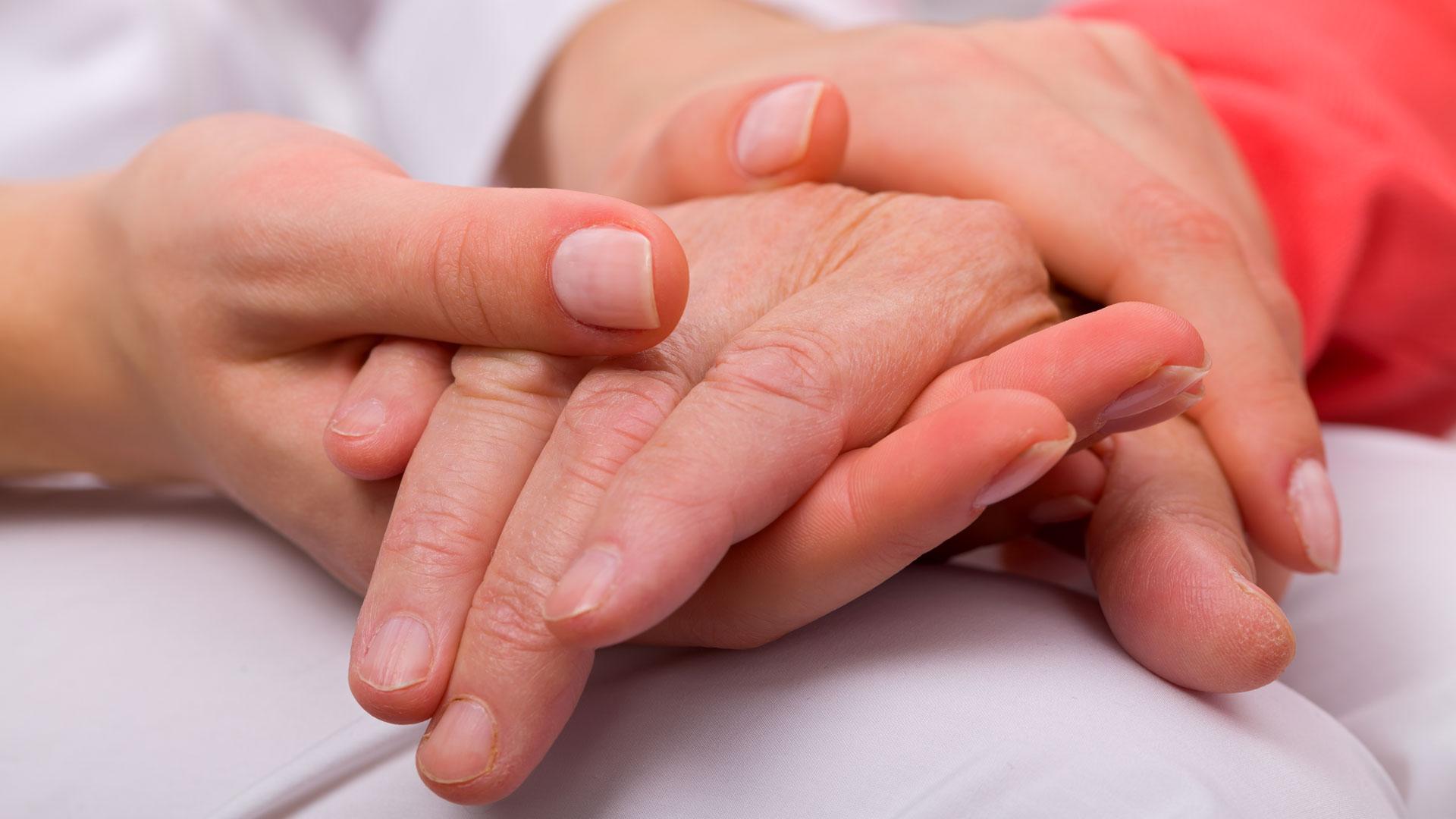 La enfermedad suele confundirse con Parkinson