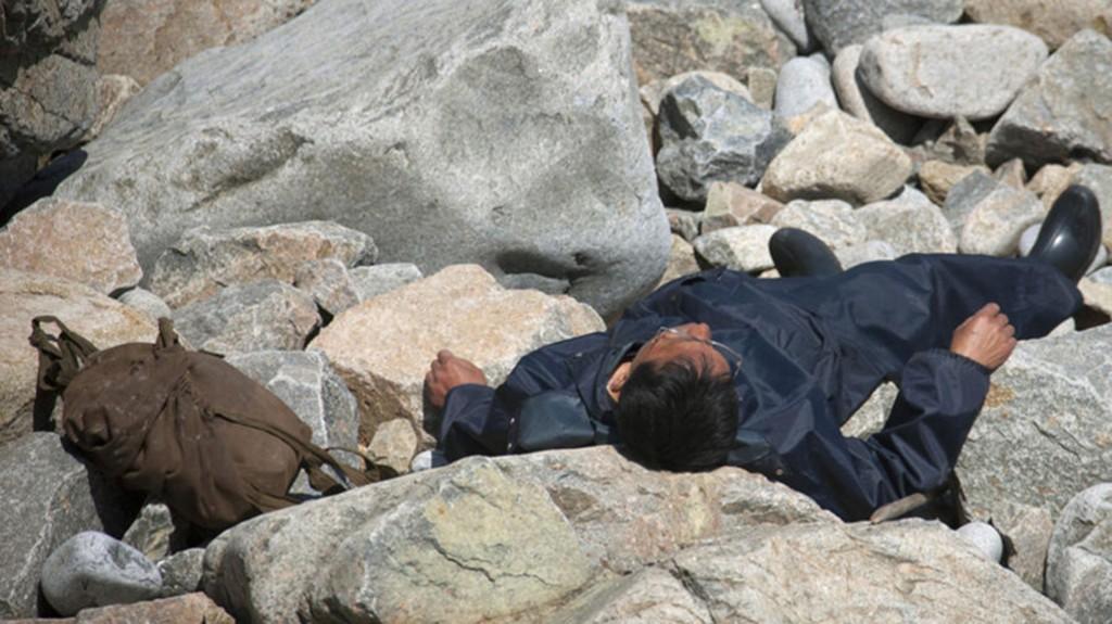 El guía le pidió que elimine esta foto porque podría parecer que el hombre estaba muerto. Según aclaró, se encontraba descansando bajo el sol