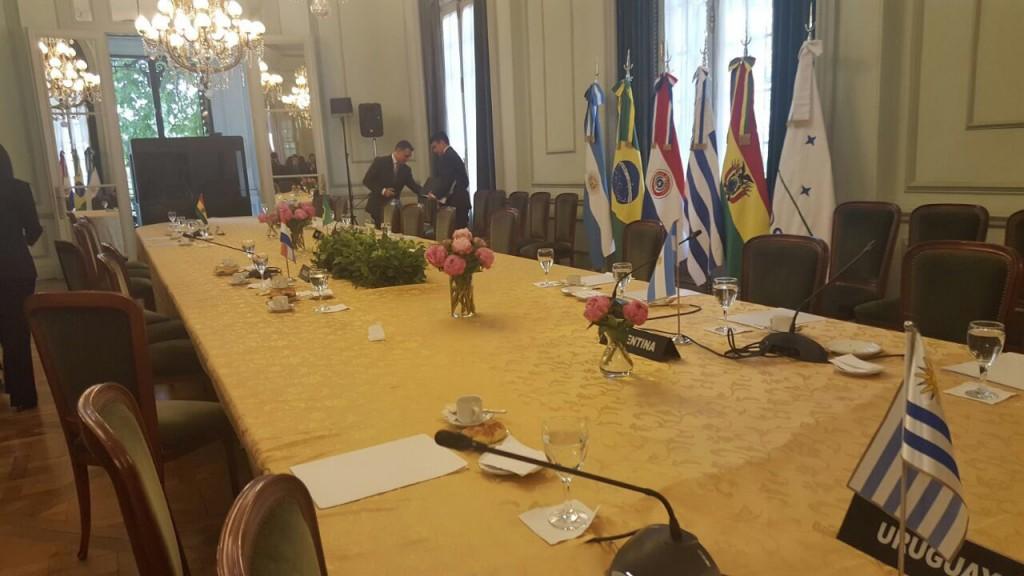 """La foto que posteó Rodríguez en su cuenta de Twitter: """"La Triple Alianza se confabuló contra Venezuela y el Mercosur"""""""