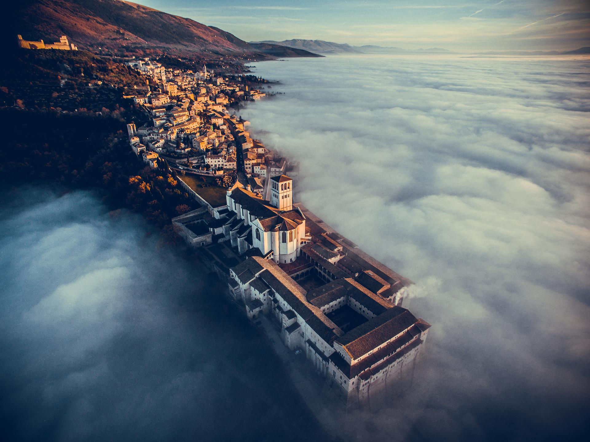 El primer puesto en fotografía turística: la Basílica de San Francisco, en Italia (imagen realizada por Francesco Cattuto)