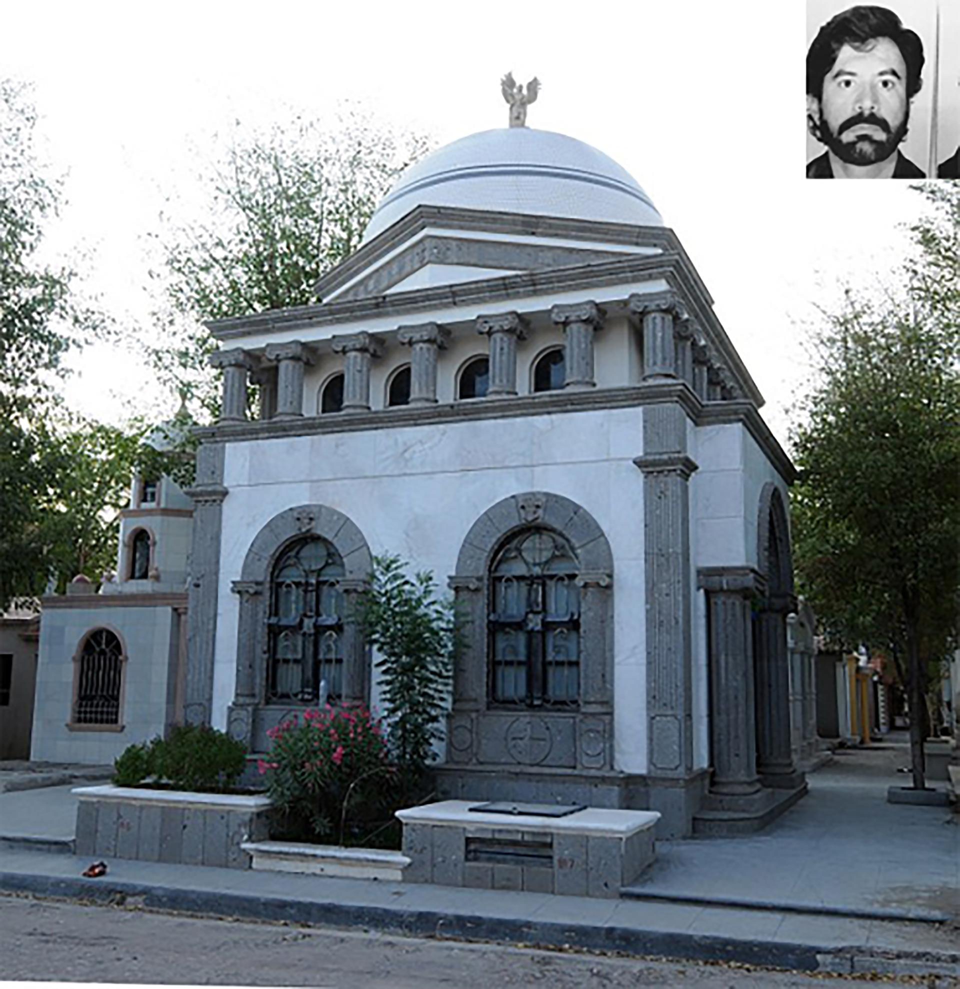 Mausoleo de Inés Calderón