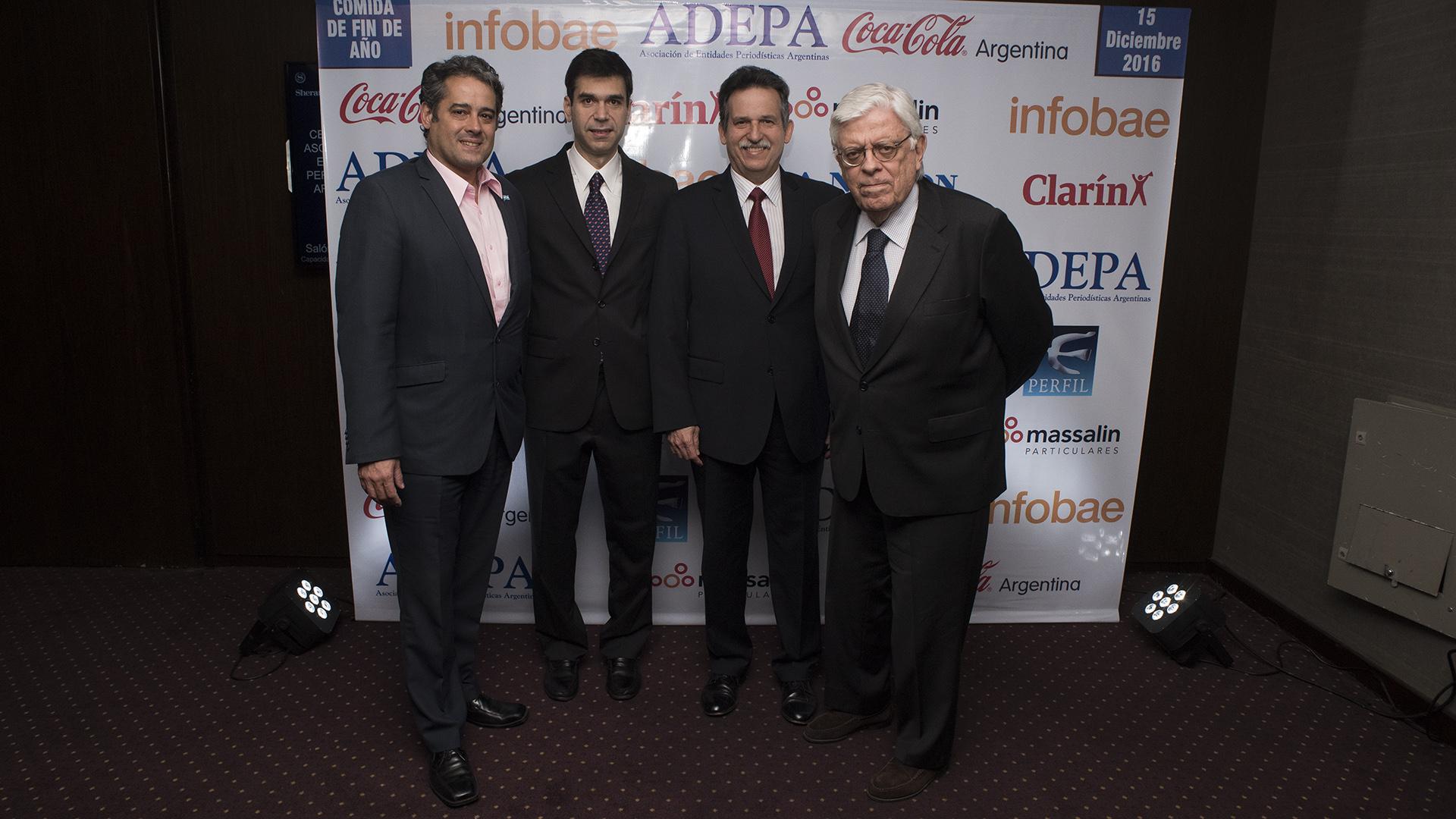 Daniel Heber Martínez, director de ENACOM (Ente Nacional de Comunicaciones), junto a Daniel Dessein, Thomas Mesa -consejero de Asuntos Públicos de la embajada de los Estados Unidos- y Hermenegildo Sabat