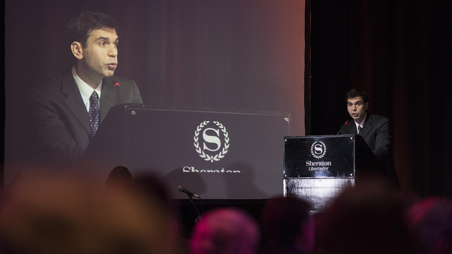 El presidente de ADEPA, Daniel Dessein, durante su discurso en la cena anual /// Fotos: Adrián Escandar