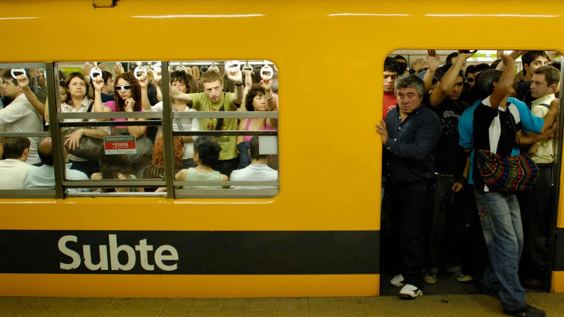 Metrodelegados volverán a levantar los molinetes del subte por un reclamo