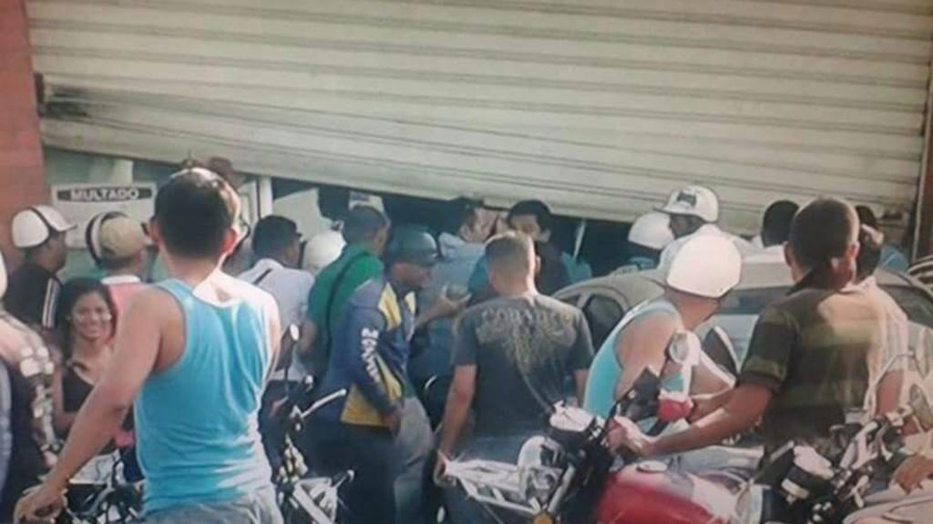 El gobierno de Ciudad Bolívar declaró el toque de queda por la ola de saqueos