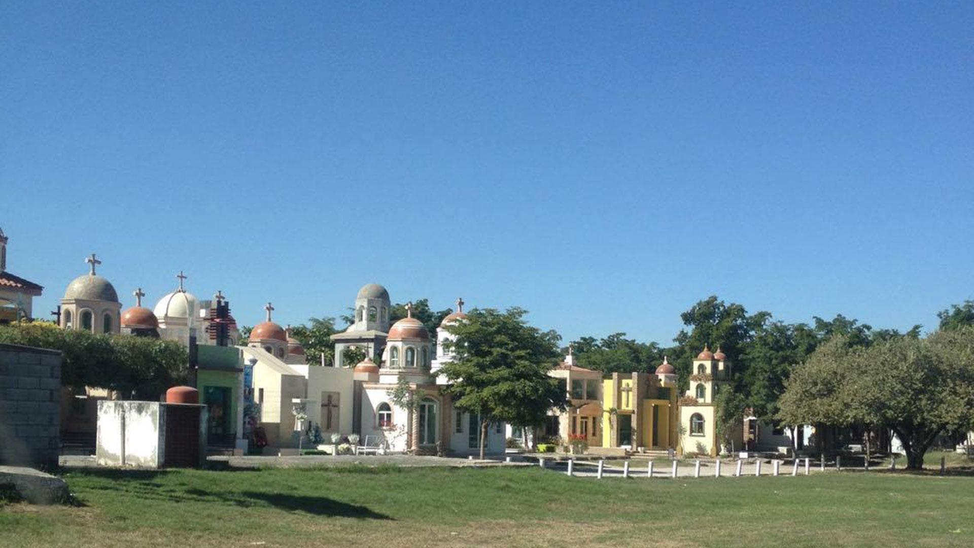 El área del panteón Jardínes del Humaya, en Culiacán, donde están enterrados los cuerpos de los capos narco de Sinaloa