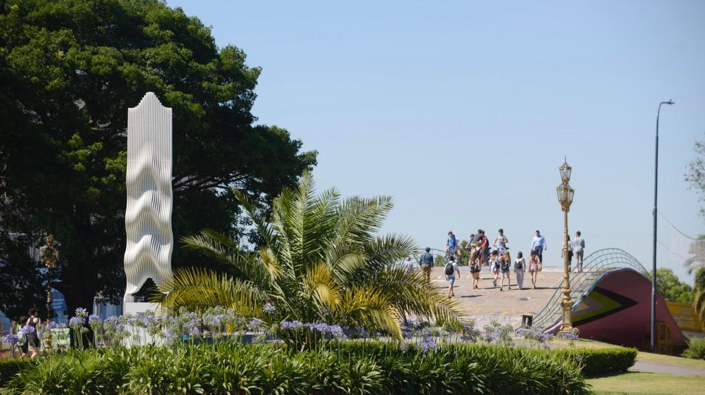 Resultado de imagen para Una obra de Julio Le Parc forma parte por primera vez del espacio público porteño
