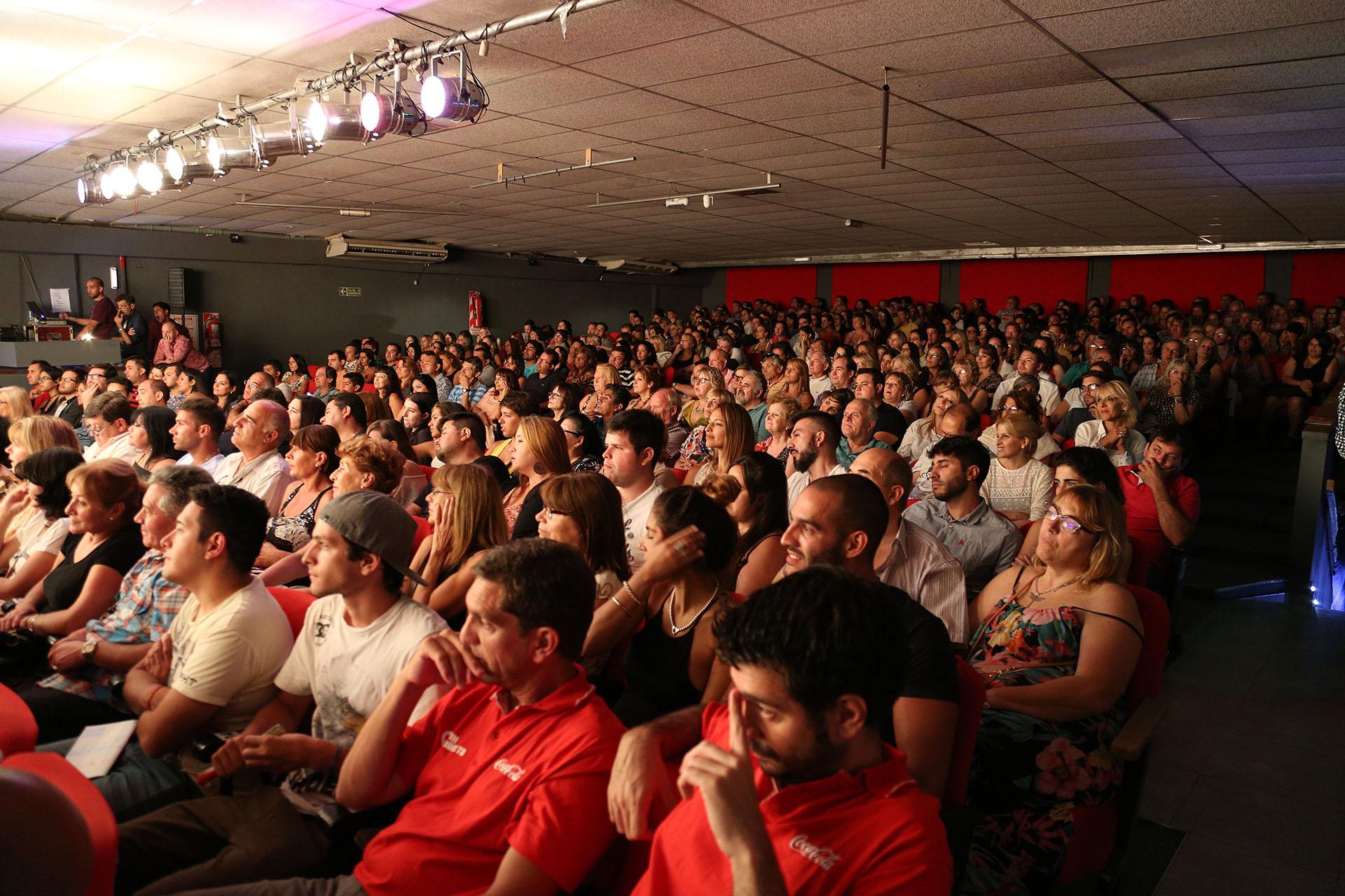 """""""Los corruptelli"""" y un estreno a sala llena"""