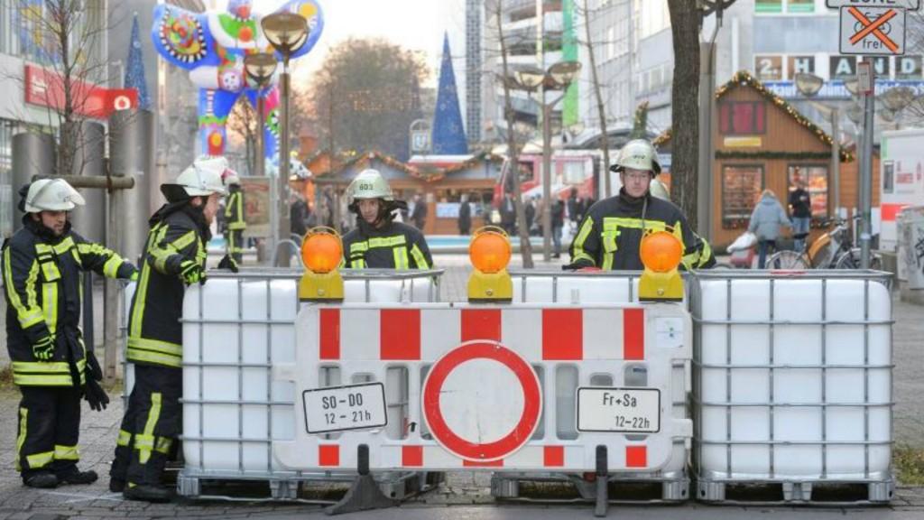 La ciudad de Duisburg había anunciado un refuerzo en la seguridad en sus mercados navideños tras el ataque del lunes en Berlín (@WAZDuisburg)
