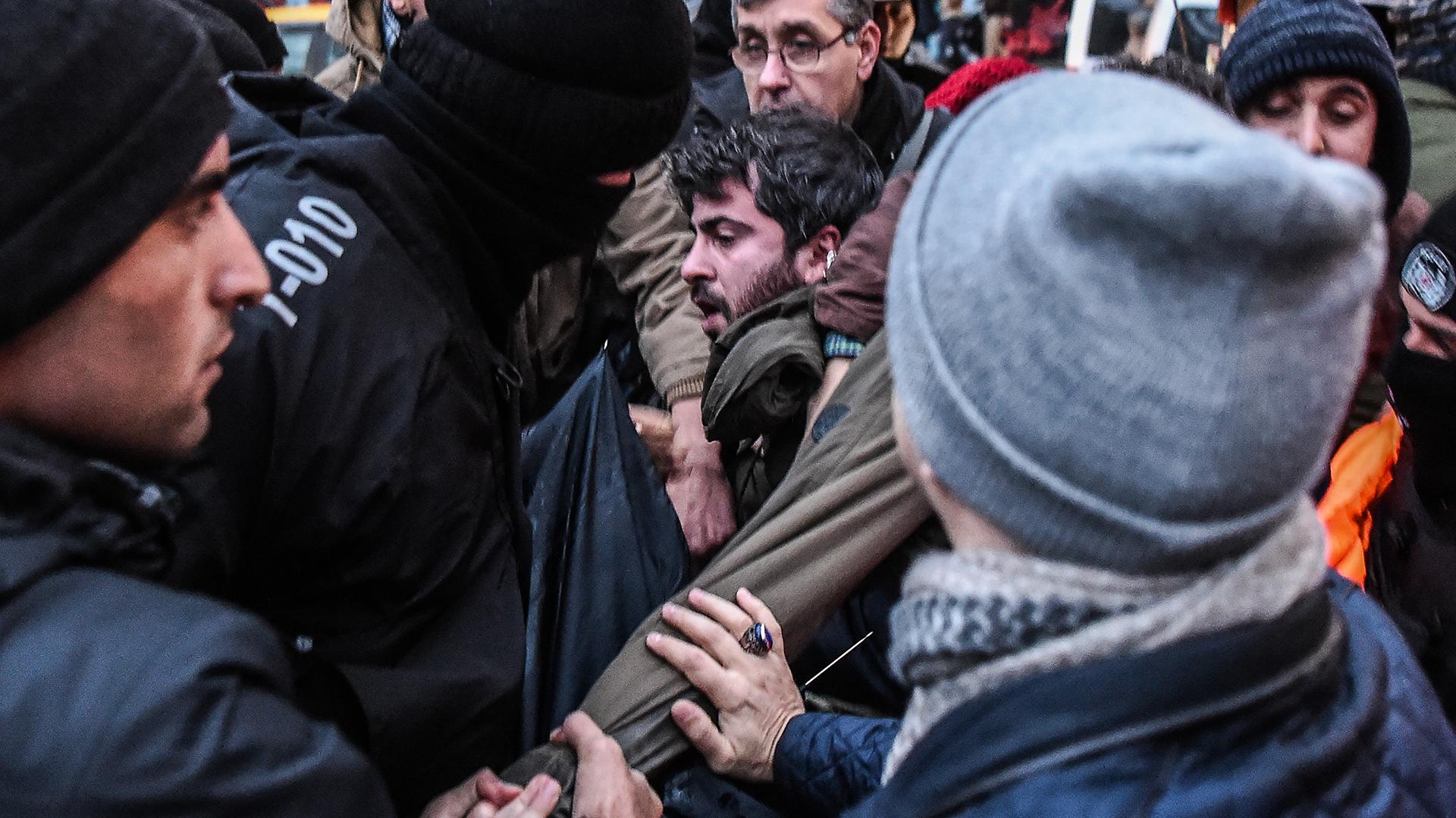 Las autoridades turcas ejercen una amplia vigilancia sobre las opiniones de los ciudadanos en las redes sociales (AFP)