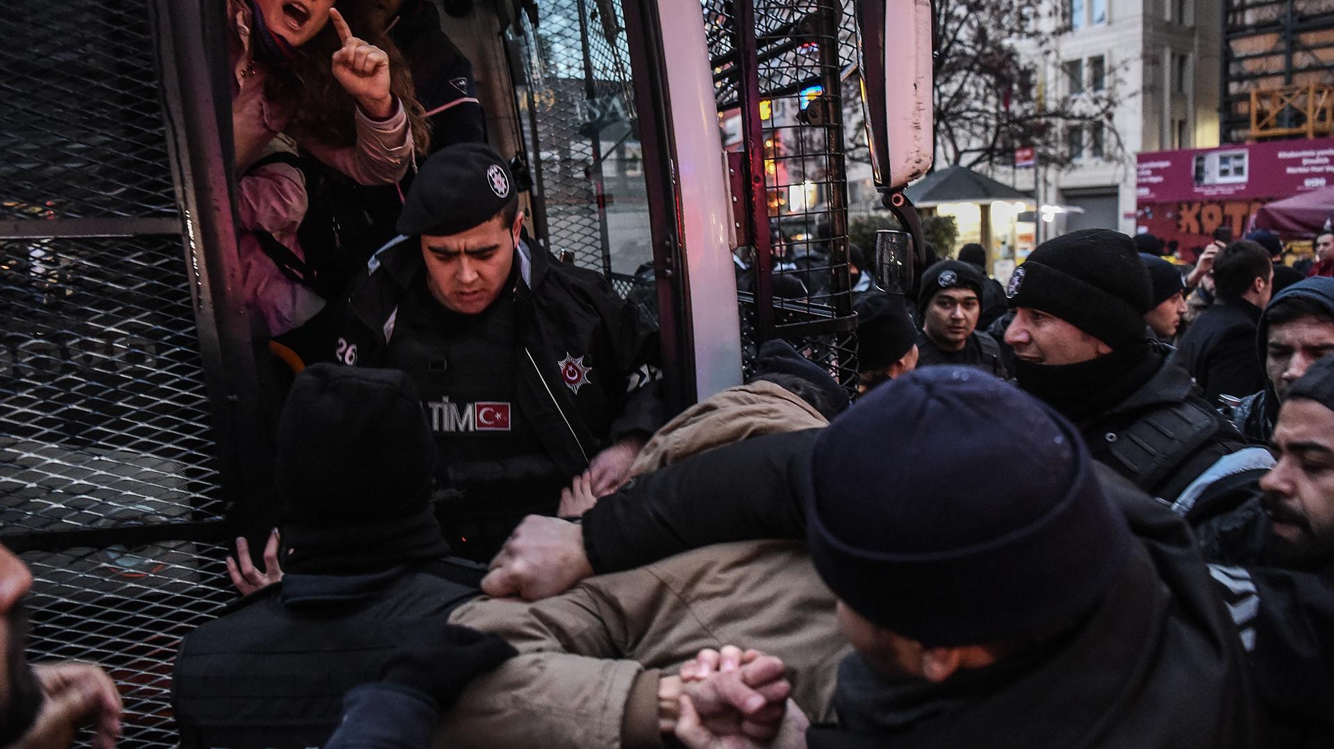 Más de 1.600 personas fueron detenidas en los últimos seis meses en Turquía (AFP)