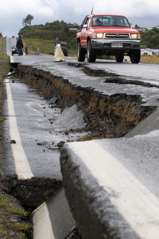 Así quedaron las carreteras del sur de Chile tras el terremoto