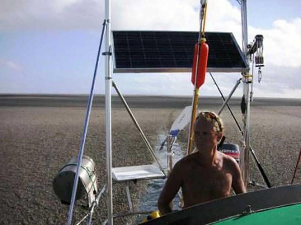 mix 5411 isla en el medio del oceano (7)