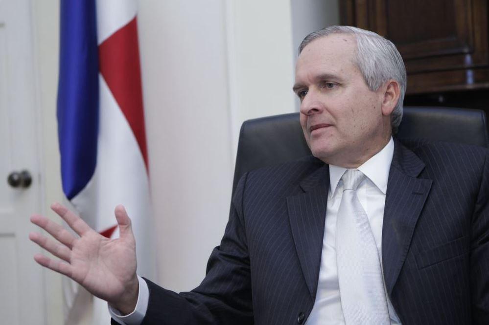 """El ministro Álvaro Alemán dijo que la prohibición estará vigente hasta que Odebrecht demuestre """"colaboración efectiva"""" (@PrensadeMonagas)"""