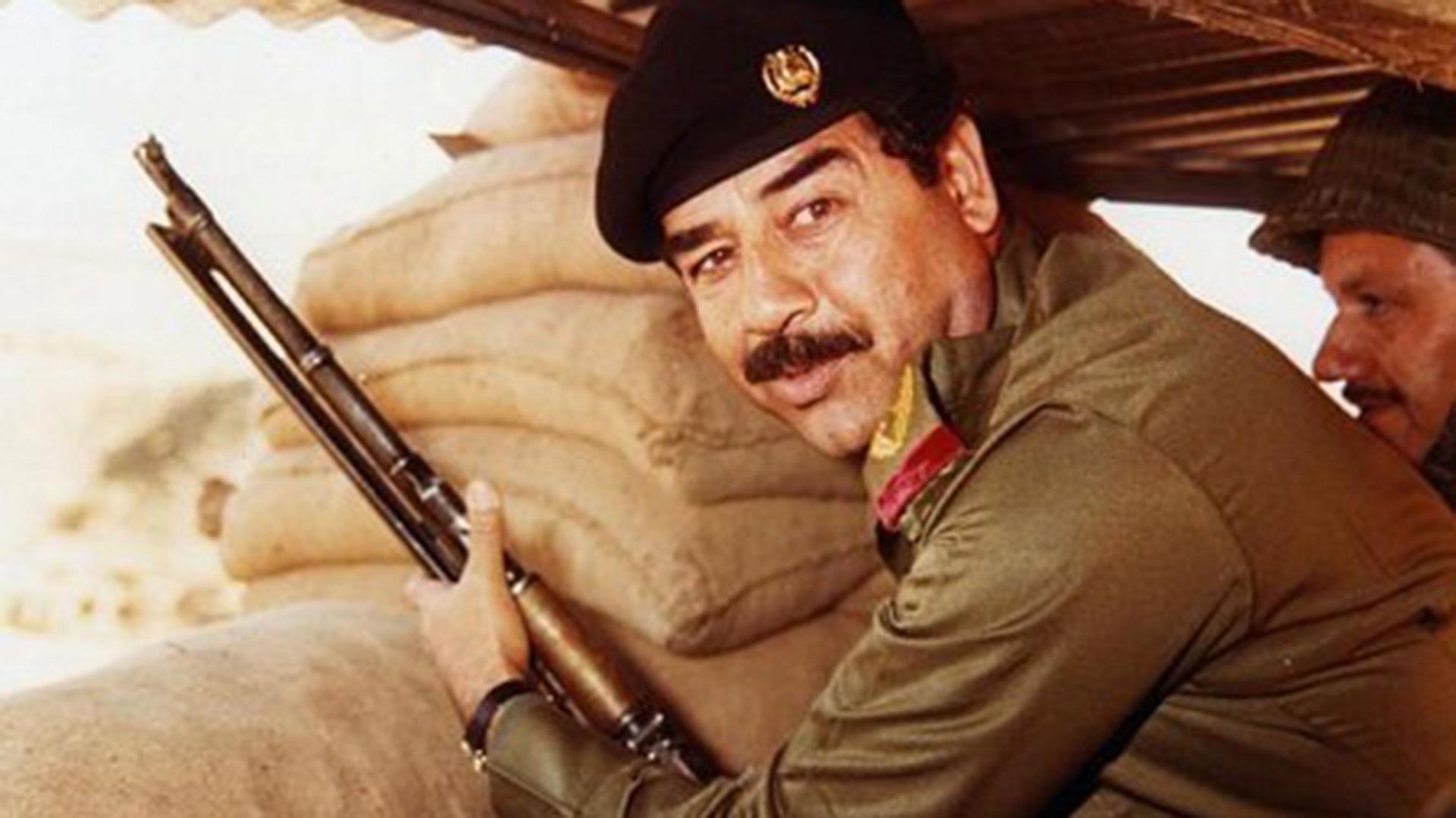 Saddam Hussein gobernó con puño de hierro durante un cuarto de siglo, oprimiendo a la mayoría chiita de Irak (AFP)