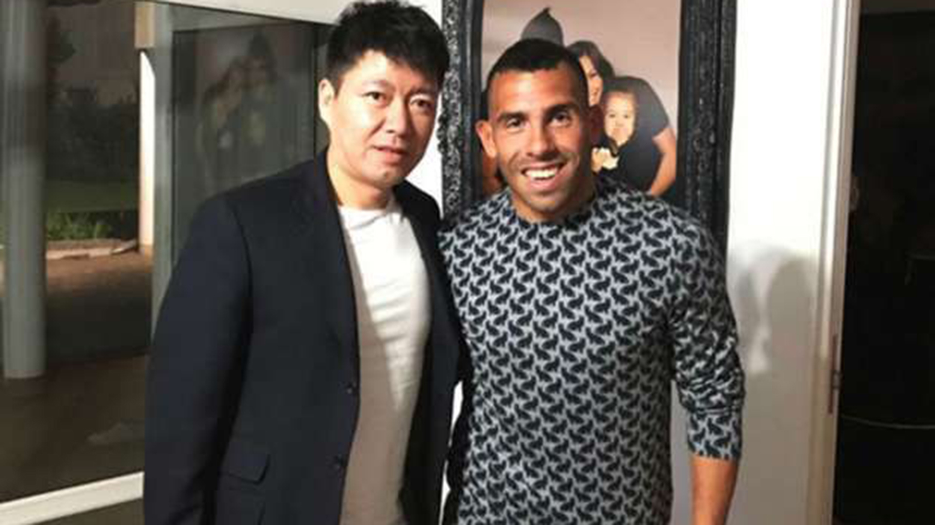 Tevez regresa con Boca Juniors tras su paso por China
