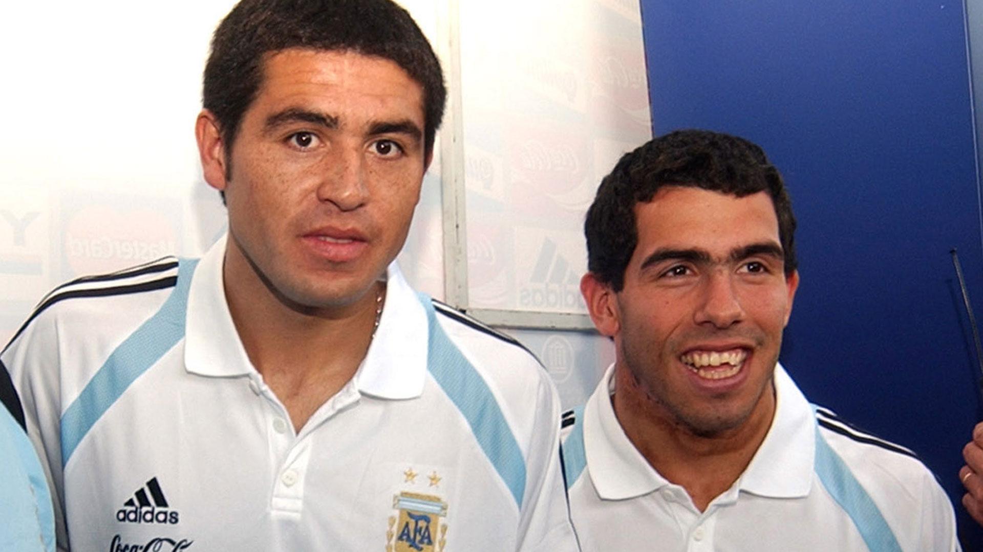 """""""A """"Carlitos"""" lo veo bien. Hace unos meses lo dije, solo necesita jugar"""", comentó sobre Tevez (NA)"""