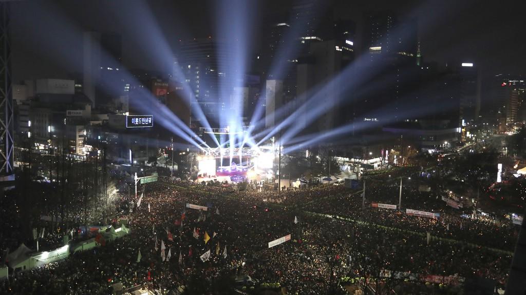 Miles de personas celebraron el inicio del año nuevo en Corea del Sur