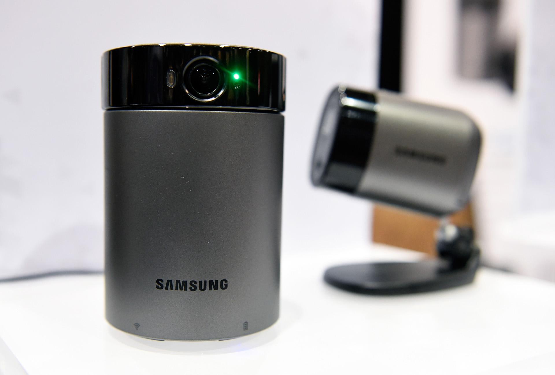 Las cámaras Samsung Wisenet en exposición durante el CES Unveiled, un evento exclusivo para la prensa que se llevó a cabo en Las Vegas. (David Becker/Getty Images/AFP)