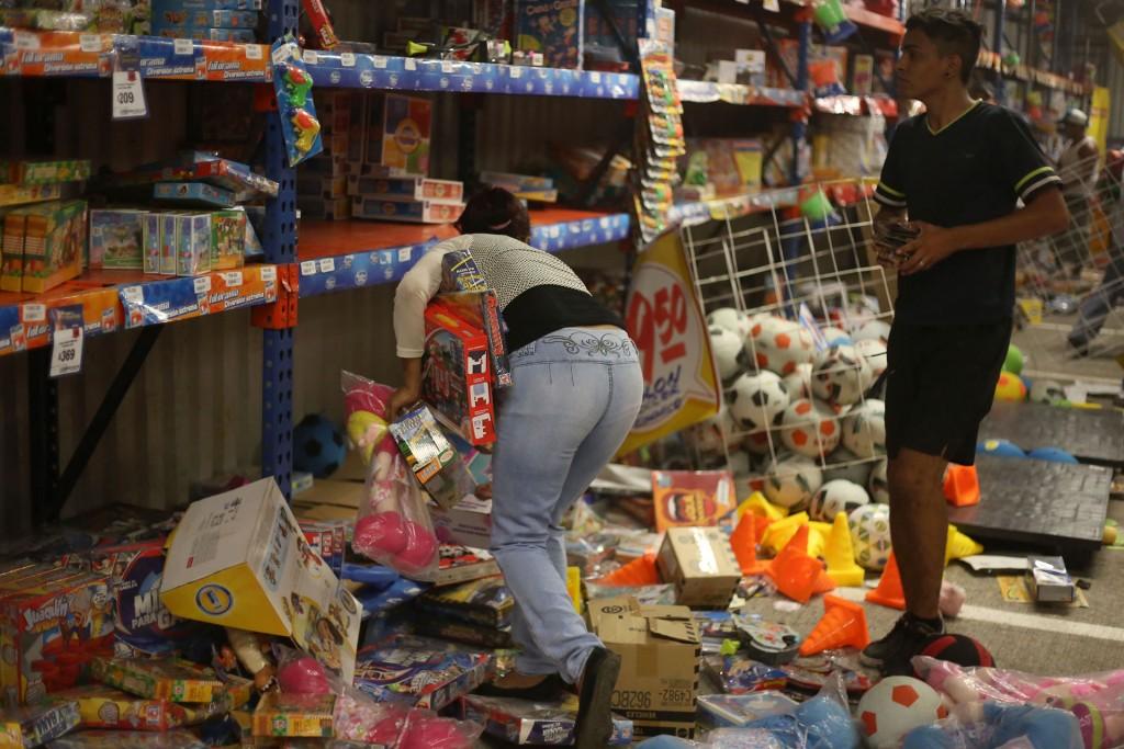 Juguetes y electrodomésticos fueron vaciados de los comercios