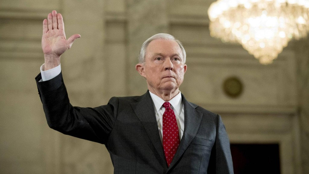 Jeff Sessions reemplazará a Sally Yates come Fiscal General (AP)