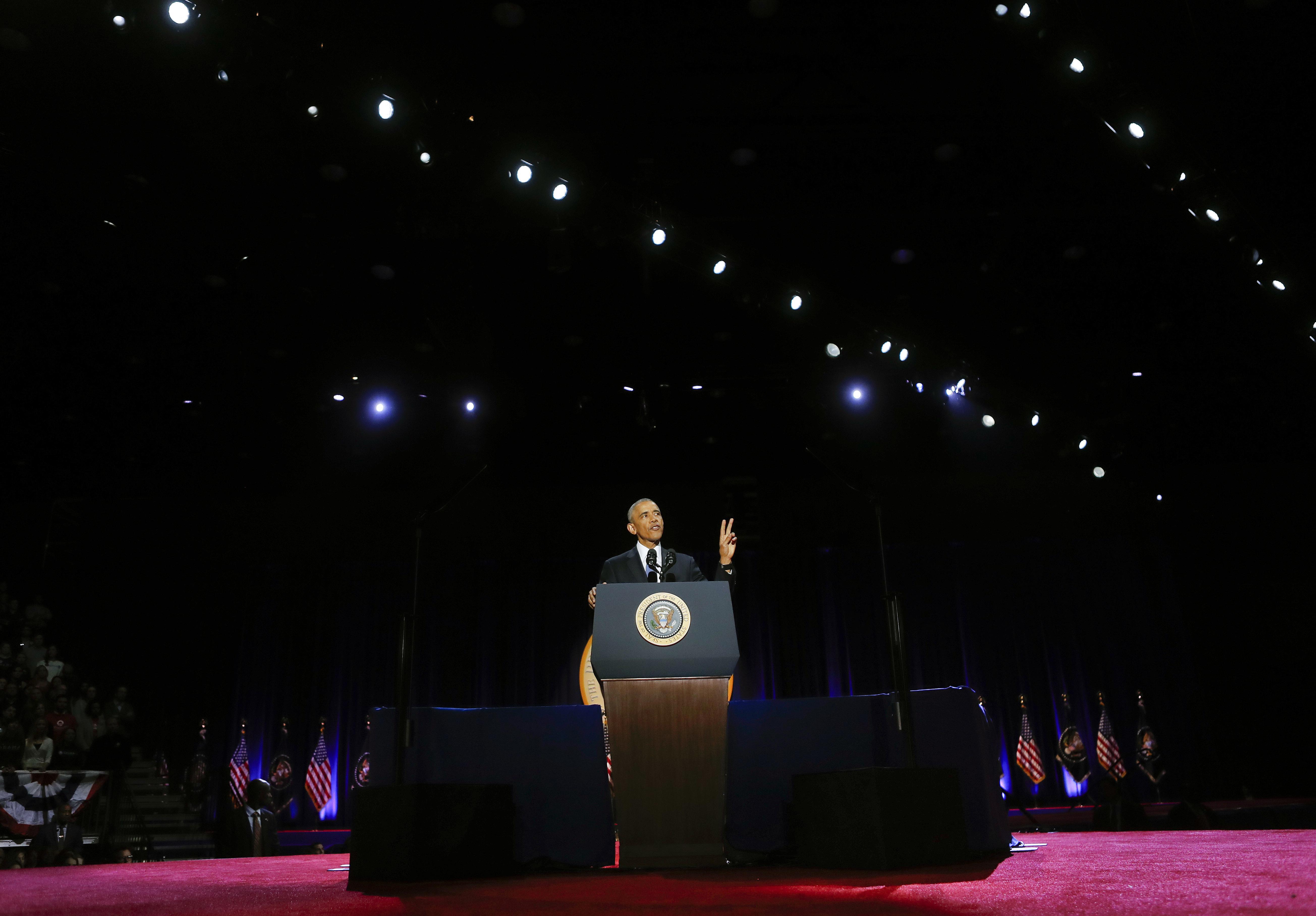 Obama dijo a sus seguidores que el futuro del país requiere del rescate de los valores fundamentales que marcaron la fundación de la nación para poder superar las diferencias (AP )