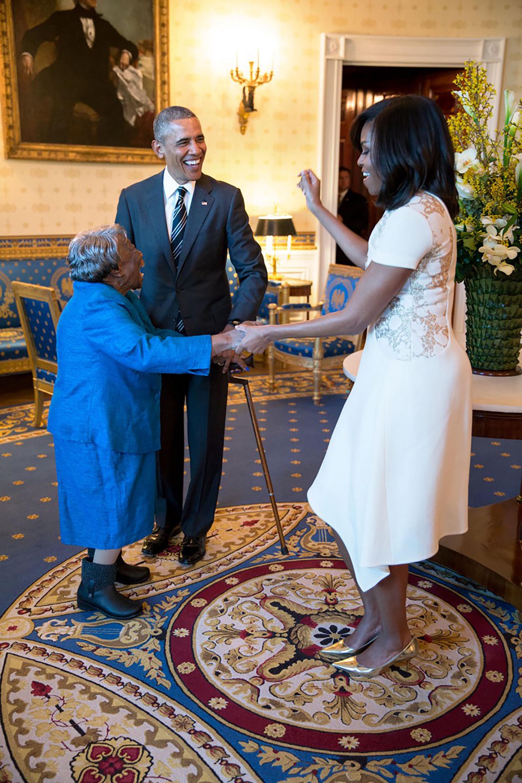 Junto a Virginia McLaurin, de 106 años, en un acto para homenajear a los afroamericanos en la Casa Blanca
