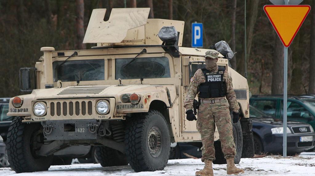 La OTAN está aumentando su despliegue en países del este de Europa (AP)
