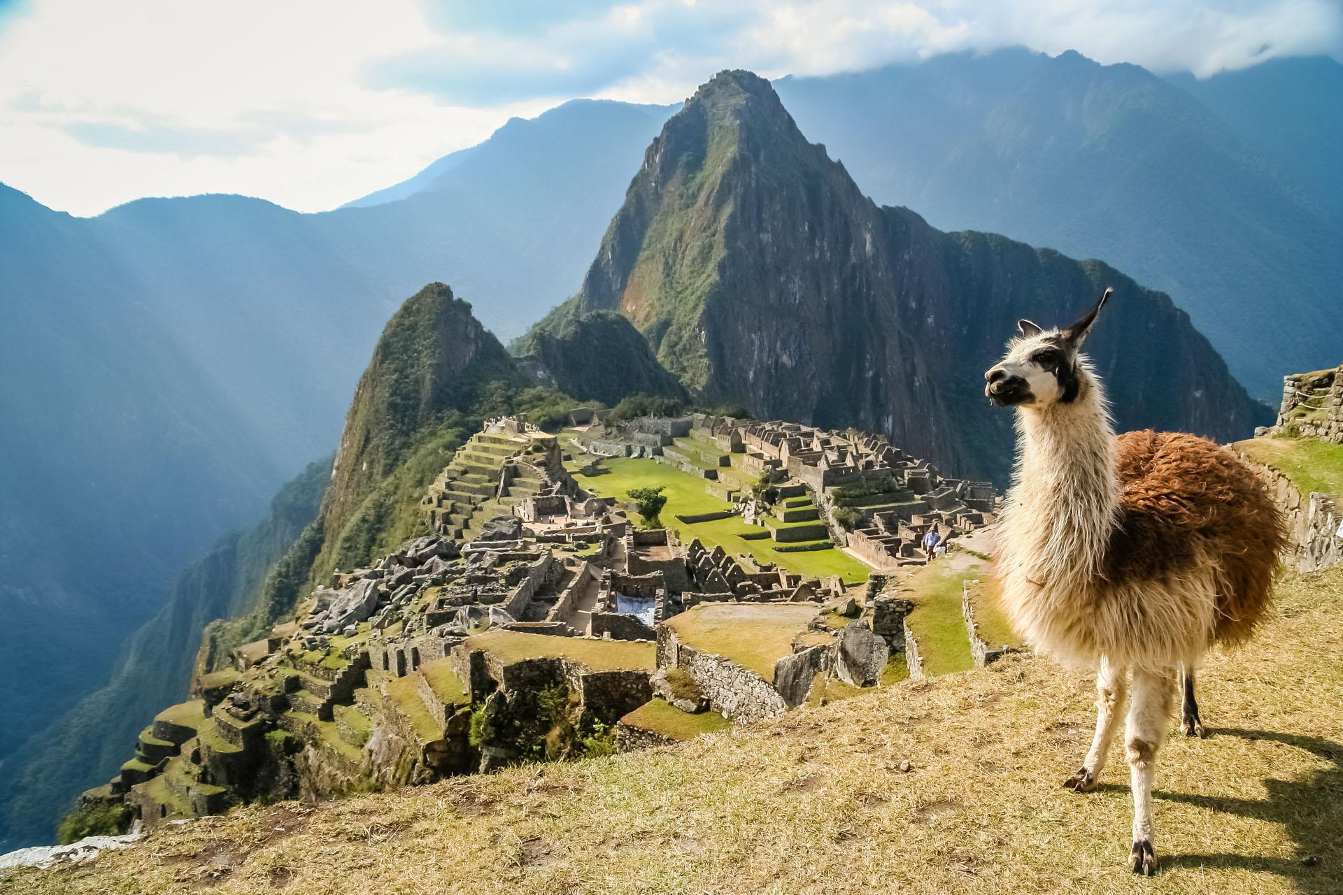 La ciudadela Machu Picchu, una ciudad inca del siglo XV y famosa a nivel mundial desde el viaje exploratorio del estadounidense Hiram Bingham en 1911, fue reconocida en 1983 como patrimonio cultural de la humanidad por la UNESCO (iStock)