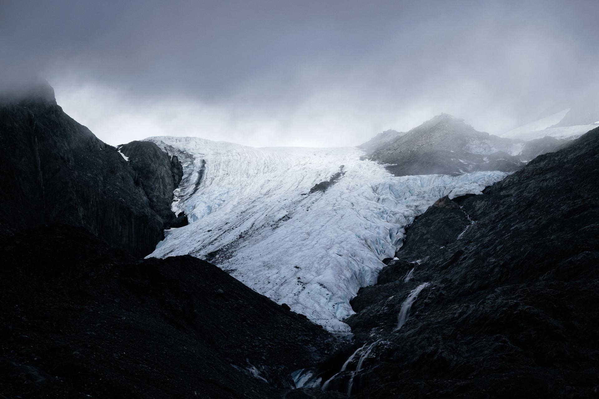 Temprano en la mañana frente al glaciar Worthington, cerca de Valdez, 3 de julio de 2016