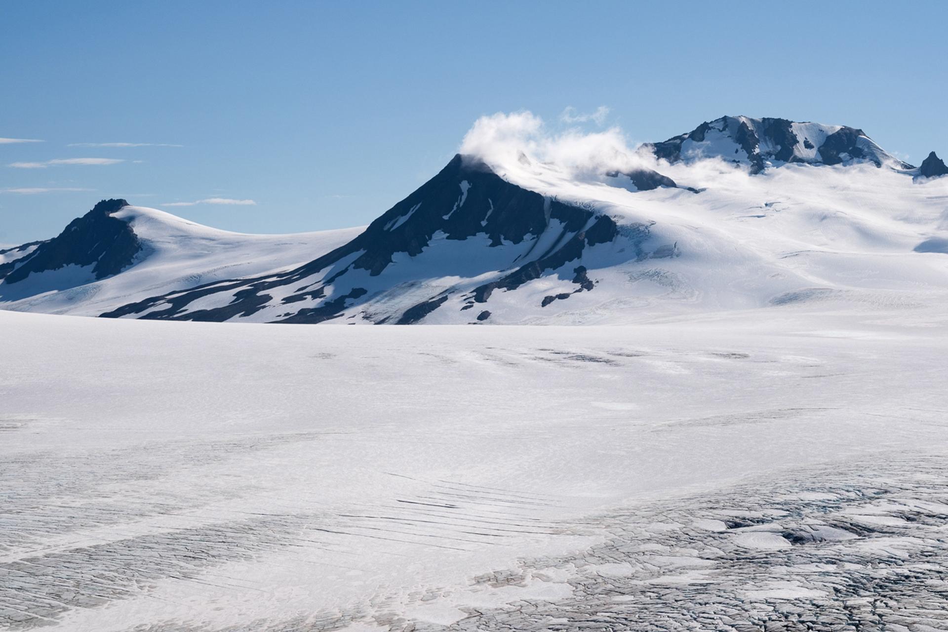 El campo de hielo de Harding tiene un aspecto de otro mundo, pero es sólo un viaje de un día de la ciudad más grande de Alaska, Anchorage, 27 de agosto de 2016