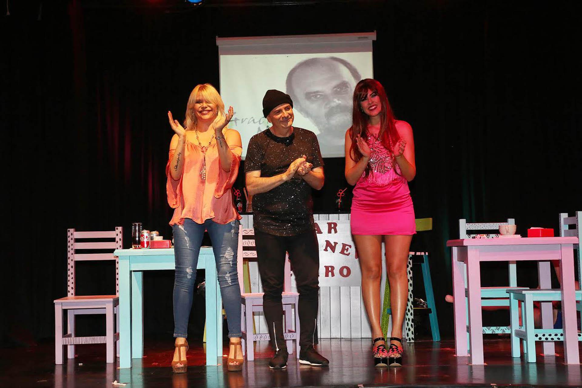 """Nazarena Vélez, Atilio Veronelli y Camila Lotitto, en el estreno de la obra """"Humor a la Fontanarrosa"""" (Verónica Guerman / Teleshow)"""