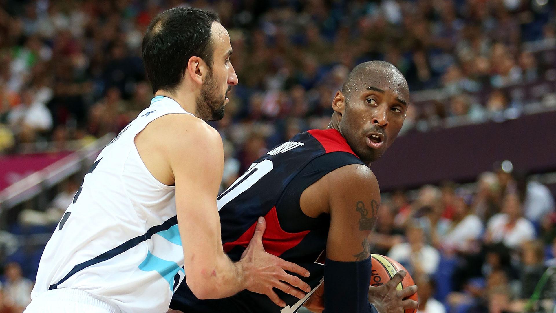 Kobe Bryant (derecha) junto al argentino Manu Ginóbili (Getty)