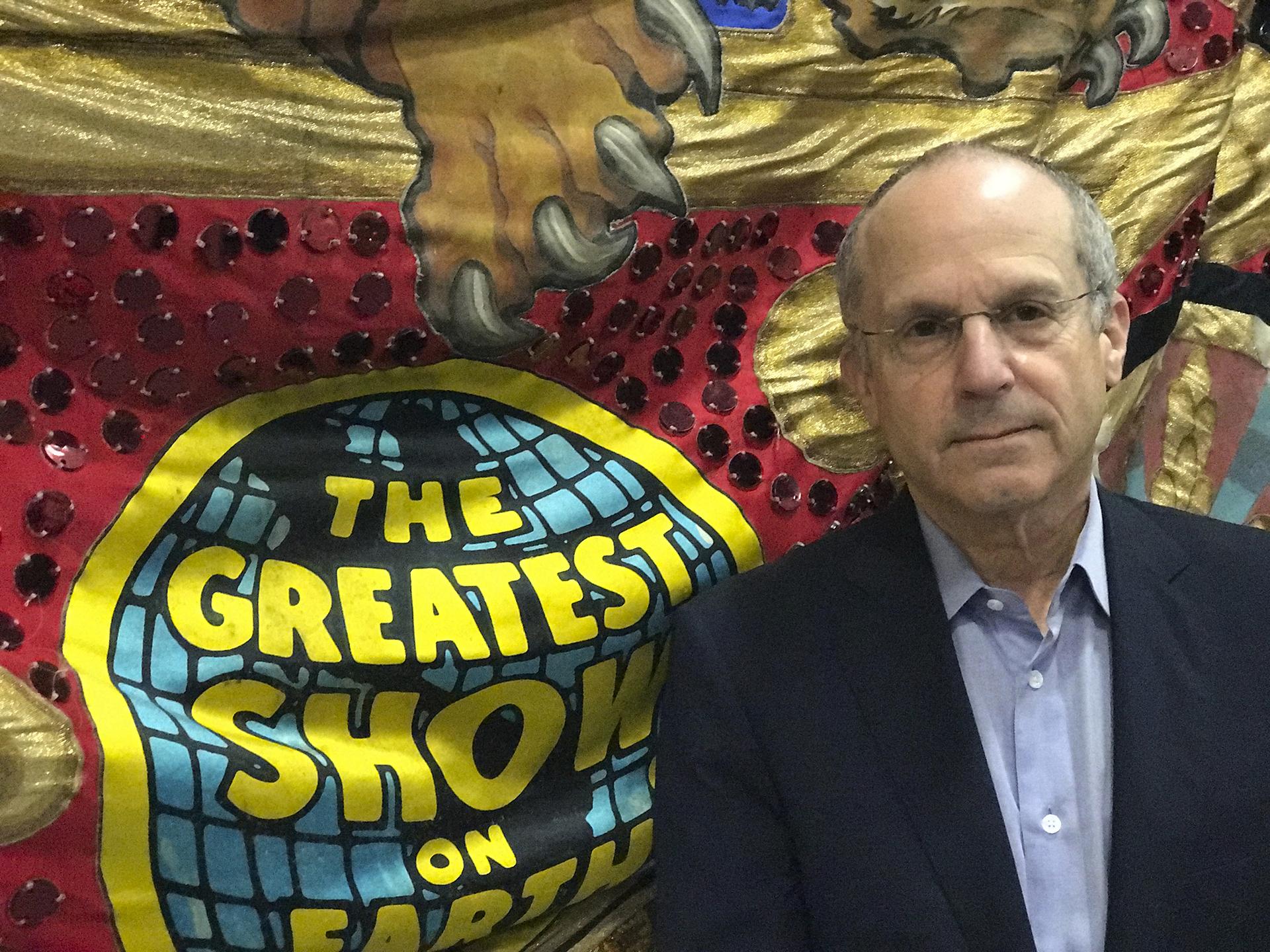 Kenneth Feld, CEO de Feld Entretainment, empresa dueña del circo, en una foto de 2017 cuando se anunció el cierre definitivo. Los Feld compraron el circo en 1967 (AP)