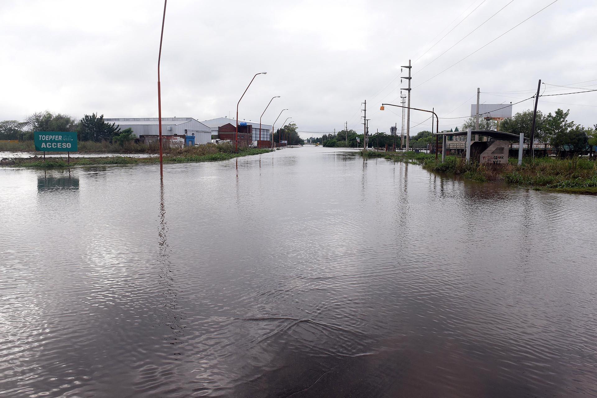 La ciudad de Arroyo Seco fue definitivamente la más afectada. En un lapso de 10 días sufrió su tercer temporal grave y sus instalaciones no dieron abasto