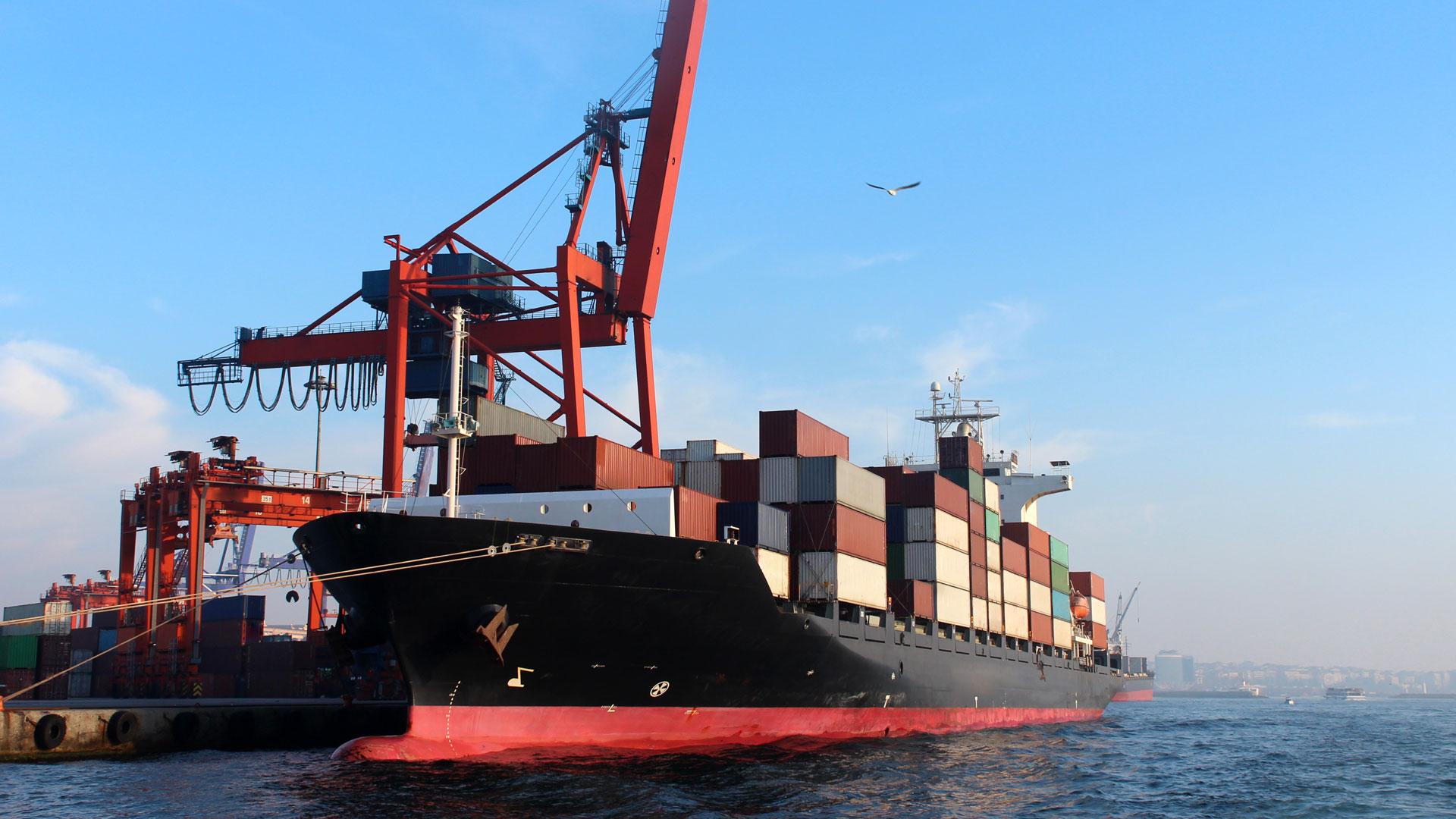 El volumen del comercio crece más de entrada que de salida (iStock)