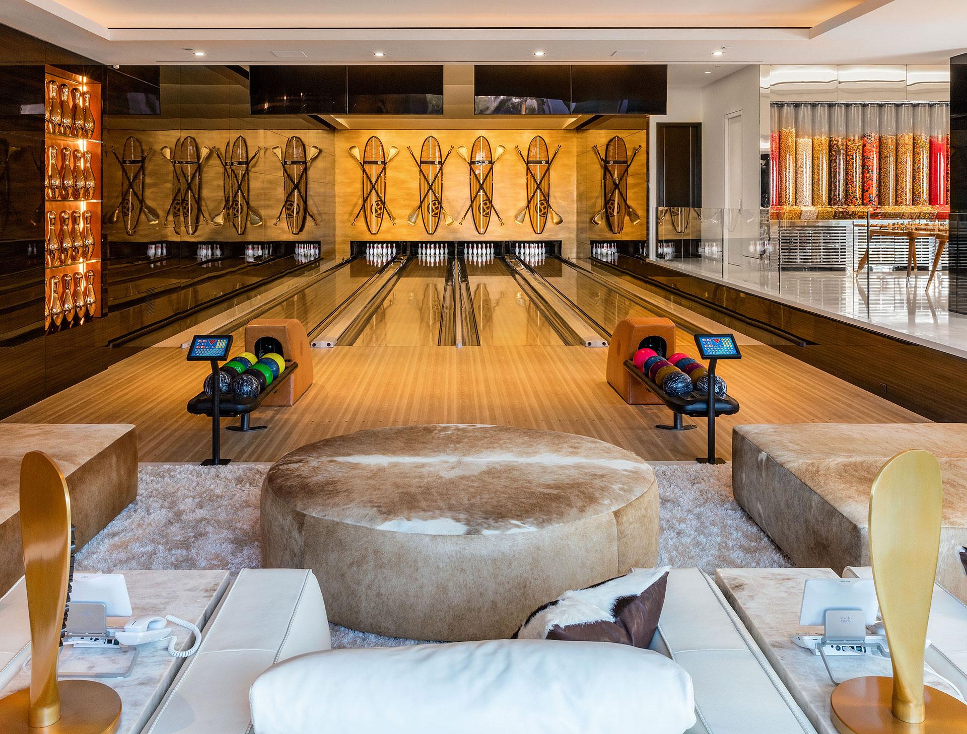 ¿Jugar a los bolos? Todo está permitido en la mansión de Bokowsky (BAM Luxury Development)