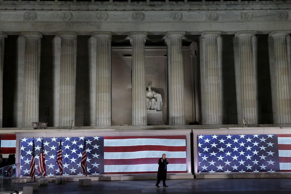 Donald Trump en el acto del jueves, frente al Monumento a Lincoln (Reuters)