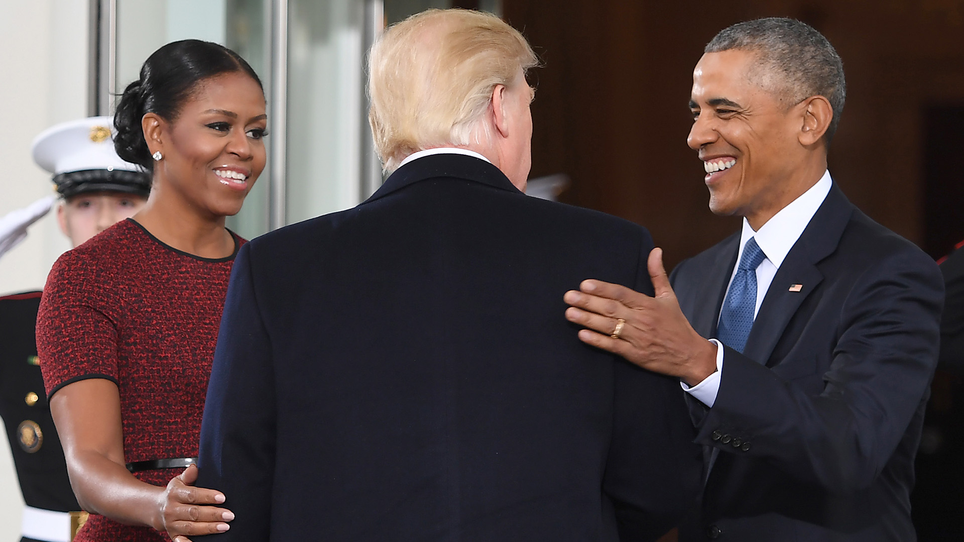 Michelle Obama también se suma a los saludos