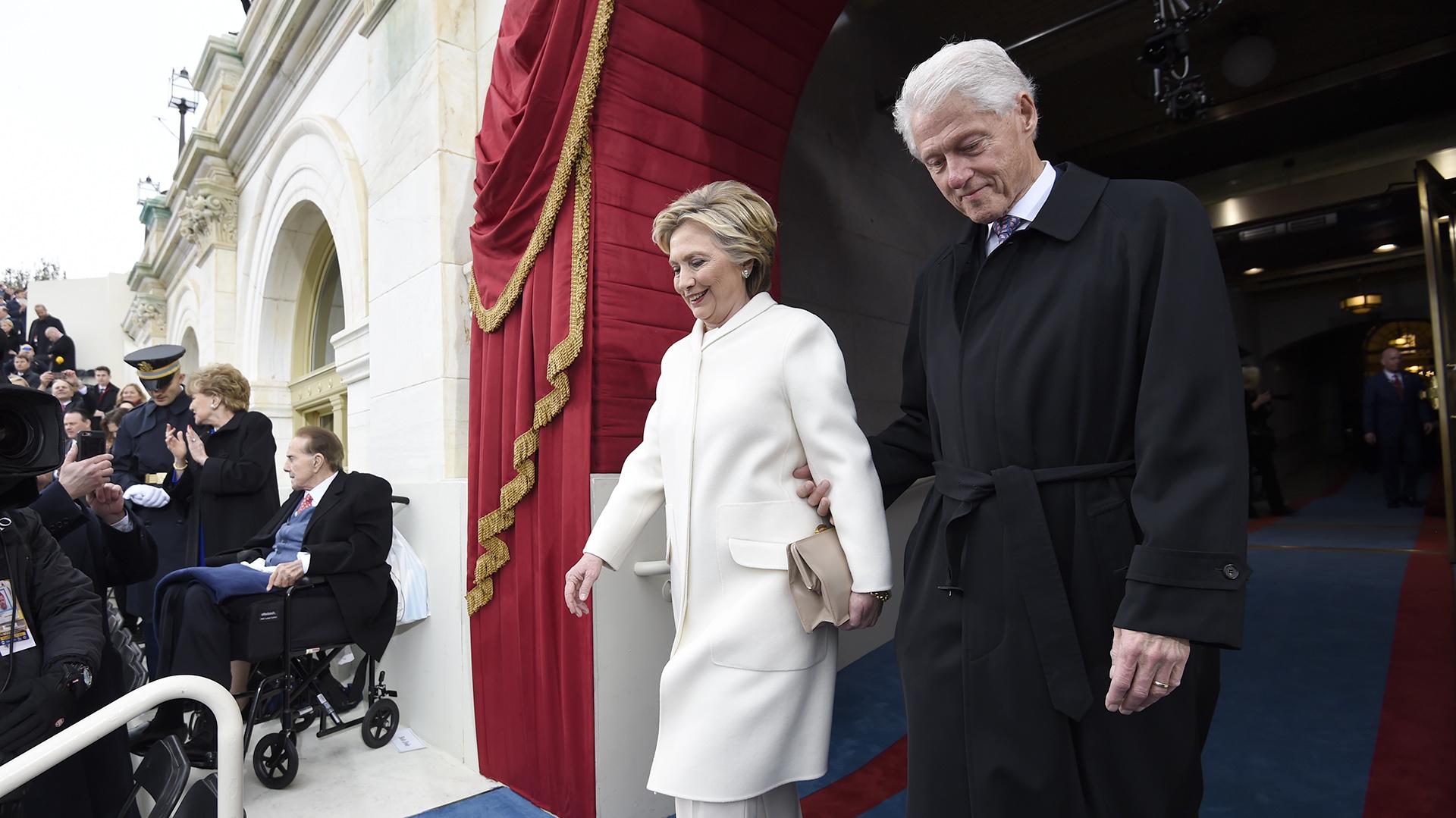 Bill y Hillary Clinton participaron de la ceremonia de investidura (AFP)