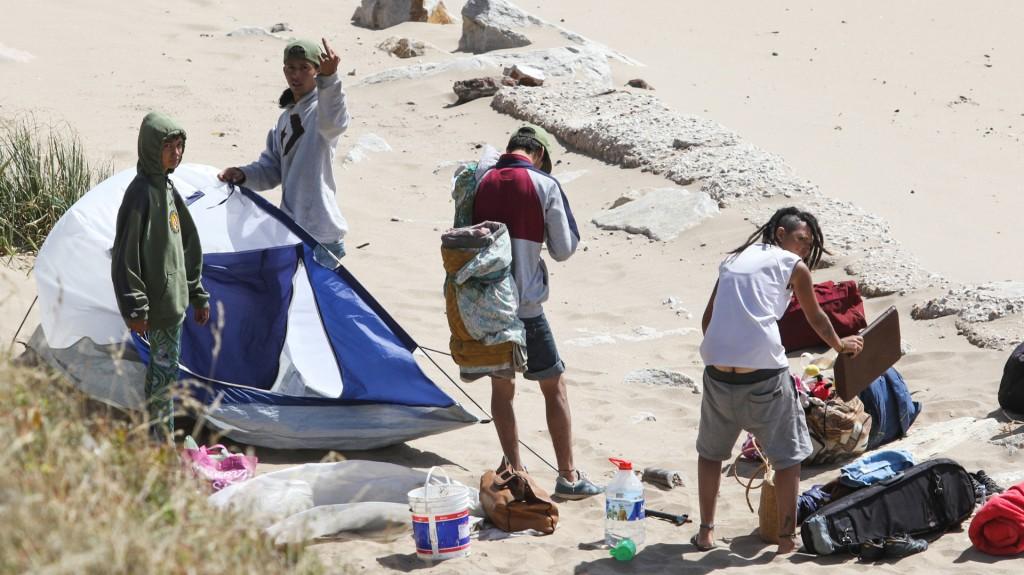 El deterioro de la costa argentina, sumada a los altos precios, provocó que decenas de miles de argentinos eligieran Brasil y Chile como destino esta temporada